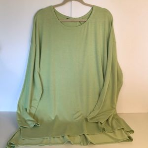 Soft Surroundings green top 3X